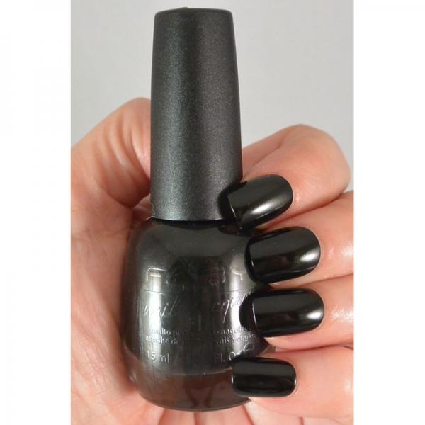 black-is-black-nagellak (1)